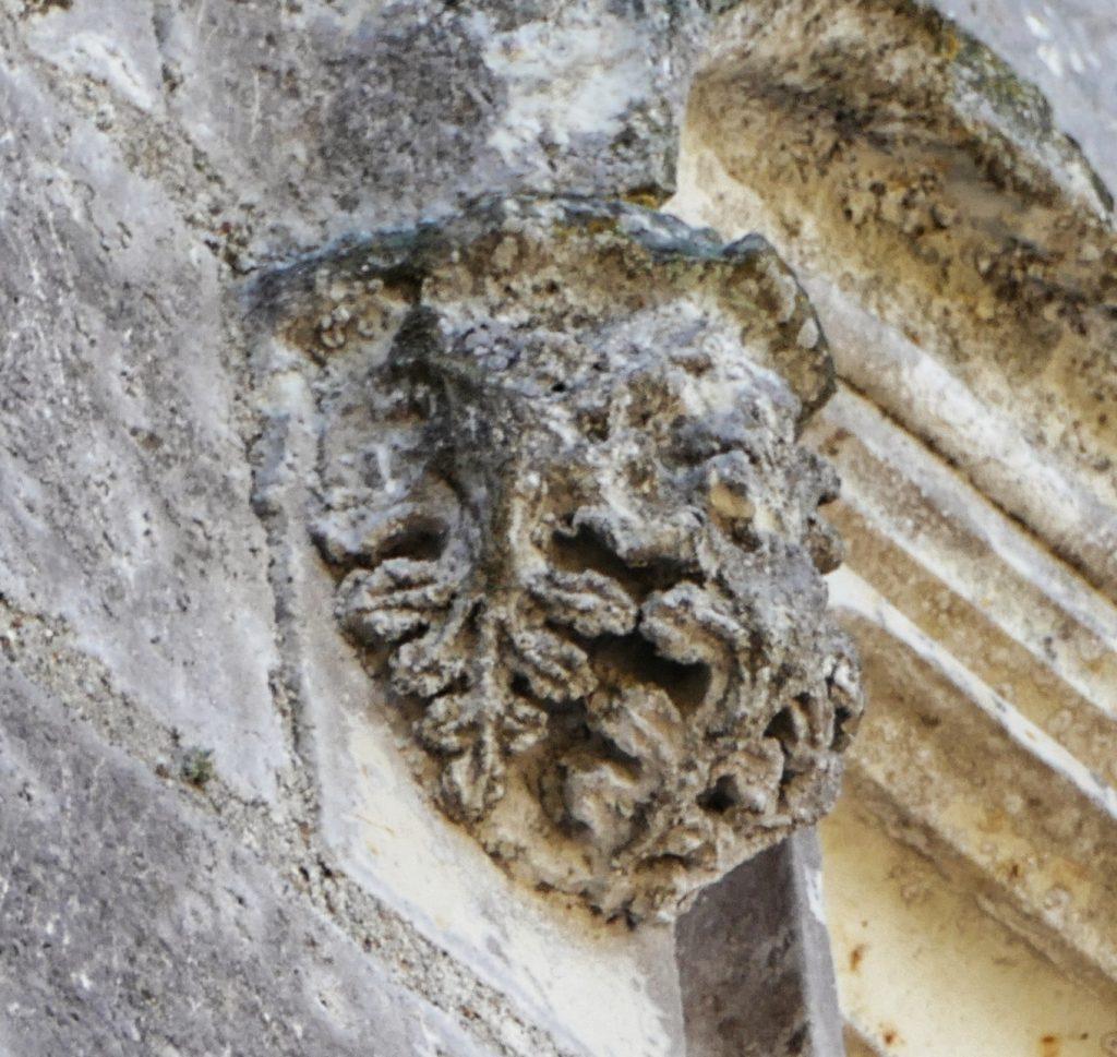 Détails façade du Château des Brétignolles