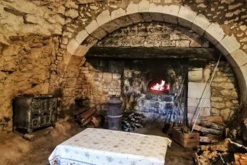 Vue du four à pain du Château des Brétignolles